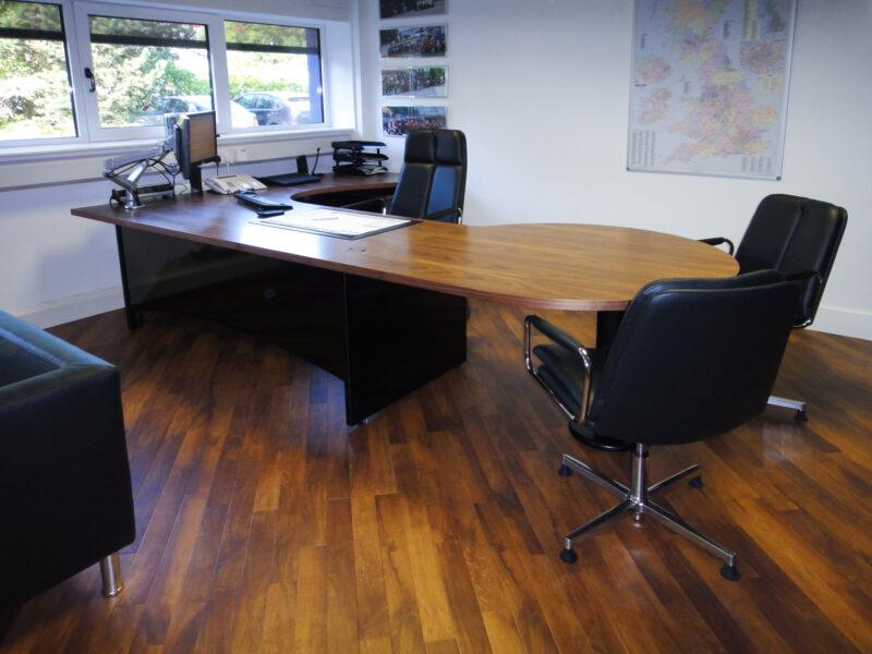 Fulcrum Desk 0025